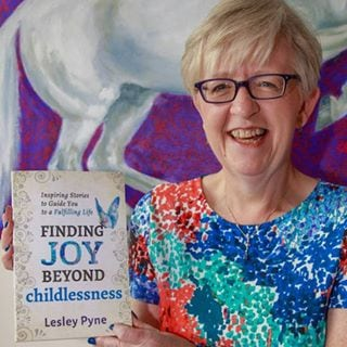 Lesley Pyne with book